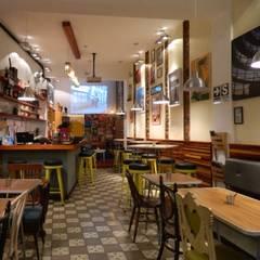 LA CAFETERA: Restaurantes de estilo  por 1en1arquitectos,