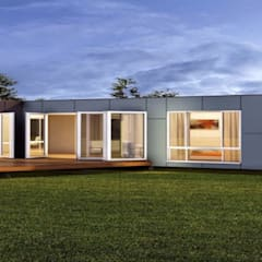 Prefabricated home by Construcciones F. Rivaz