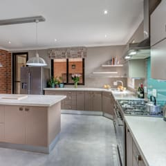 Kitchen:  Kitchen by OLIVEHILL Architects