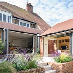 Hare Lane:  Garden by Frost Architects Ltd