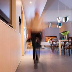 Mur vivant: Hôpitaux de style  par helium3 positive architecture