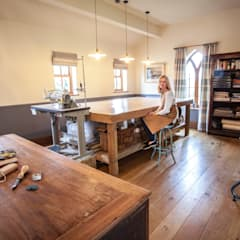 In the studio :  Study/office by Emily Craven Interiors , Industrial Solid Wood Multicolored