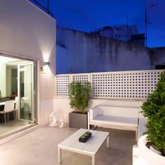 REMODELAÇÃO APARTAMENTO LISBOA Varandas, marquises e terraços modernos por fernando piçarra fotografia Moderno