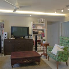 Pandan Garden Renovation:  Living room by Designer House,