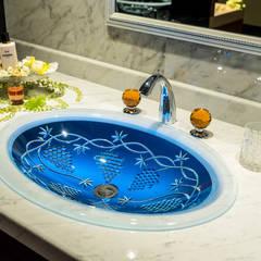 SLAVIA CRYSTAL VINEA  Decor WB-005  洗面ボウル  水栓 JORGER  フローラレクリスタル (アンバー)琥珀 : SLAVIA  CRYSTALが手掛けた浴室です。