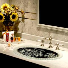 SLAVIA CRYSTAL MARGERITA FR  Decor SC-WB010 洗面ボウル  水栓 JORGER  : SLAVIA  CRYSTALが手掛けた浴室です。