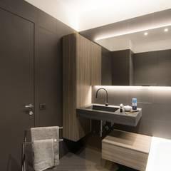 Bathroom by Rachele Biancalani Studio