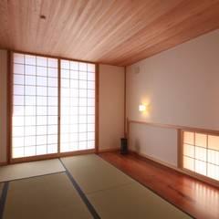 Media room by 田村建築設計工房