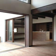 船橋市Y邸: スタジオ・スペース・クラフト一級建築士事務所が手掛けたキッチンです。,