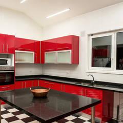 CASA RH: Cocinas de estilo  por ESTUDIO BASE ARQUITECTOS
