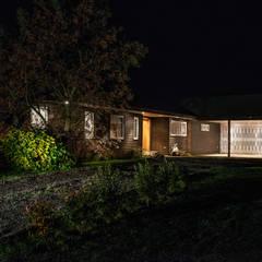CASA RH: Casas de estilo  por ESTUDIO BASE ARQUITECTOS