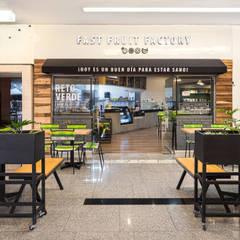Fast Fruit Factory Santa Fé: Restaurantes de estilo  por MX Taller de Arquitectura & Diseño