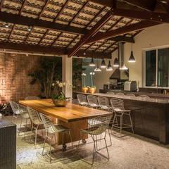 اتاق غذاخوری by Andréa Buratto Arquitetura & Decoração