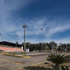 Estádio Olímpico Univates Estádios modernos por Tartan Arquitetura e Urbanismo Moderno