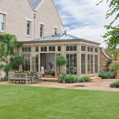 بيت زجاجي تنفيذ Vale Garden Houses