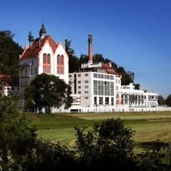 Umnutzung einer ehemaligen Brauerei:  Riegeler Lofts – energiebewusstes Wohnen im  Industriedenkmal :  Fenster von Kneer GmbH, Fenster und Türen