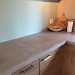 Aanrechtblad: minimalistische Keuken door stucamor