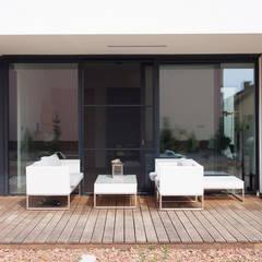 dom 200m: styl , w kategorii Taras zaprojektowany przez Projekt Kolektyw Sp. z o.o.