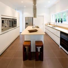 Fazer uma casa de raiz: Cozinhas  por Architect Your Home