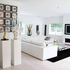 Villa Bergen:  Woonkamer door By Lenny