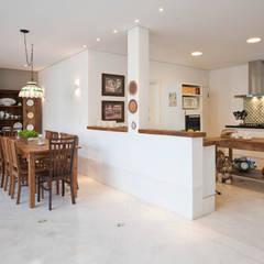 Jantar: Salas de jantar  por IDALIA DAUDT Arquitetura e Design de Interiores