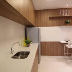 Cuisine de style  par Pricila Dalzochio Arquitetura e Interiores, Moderne Bois Effet bois