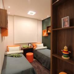 Chambre d'enfant de style  par Pricila Dalzochio Arquitetura e Interiores, Moderne