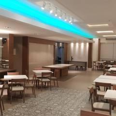 Projeto salão de festas no Rio de Janeiro.: Salas de jantar  por Lucio Nocito Arquitetura e Design de Interiores