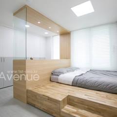 가족들에게 꼭 맞춰진 아이템들로 채워진 새집같은 우리집 리모델링  : 퍼스트애비뉴의  침실,