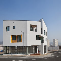 DOUBLE HOUSE: ON ARCHITECTURE INC.의  주택,한옥