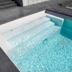 Einstieg in den Pool: ausgefallener Pool von Hesselbach GmbH