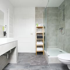 Bad - Green Residence Villa Apartment - made by N51E12:  Hotels von N51E12 - design & manufacture