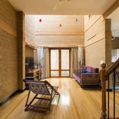 Sala: Salas de estar  por A3 Ateliê Academia de Arquitectura