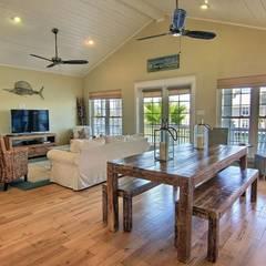 CASA BRUNO WINDPOINTE VENTILADOR DE TECHO 'IBIZA STYLE - LIMITED EDITION': Comedores de estilo  de Casa Bruno American Home Decor