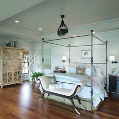 CASA BRUNO ventiladores de estilo tropical/colonial: Dormitorios de estilo  de Casa Bruno American Home Decor