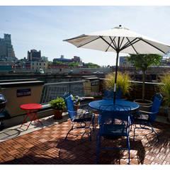 Intervención Bochera en Brooklyn NY.: Terrazas de estilo  por La Bocheria