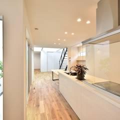 OJ邸: Sen's Photographyたてもの写真工房すえひろが手掛けたキッチンです。