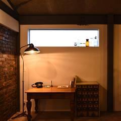 H&S邸: Sen's Photographyたてもの写真工房すえひろが手掛けた書斎です。