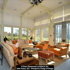 Enclosed Porch:  Patios & Decks by John Toates Architecture and Design