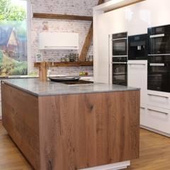 Inselküche Echtholzfront:  Geschäftsräume & Stores von Küchen Häupler