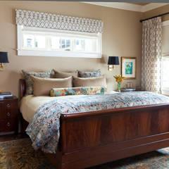 اتاق خواب توسطAndrea Schumacher Interiors