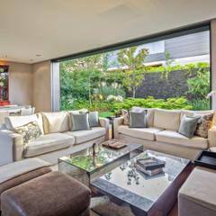 Casa CSF: Salas de estilo clásico por Lopez Duplan Arquitectos