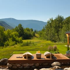 Vail Valley Retreat: eclectic Houses by Andrea Schumacher Interiors