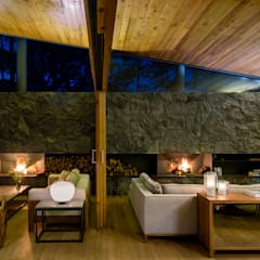 Living room by Weber Arquitectos, Country
