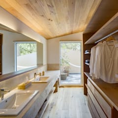 Bathroom by Weber Arquitectos