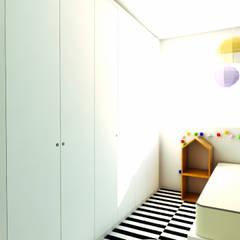 Apartamento LuPaBePe: Quarto infantil  por 285 arquitetura e urbanismo,Industrial
