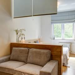 Mieszkanie dla singla: styl , w kategorii Salon zaprojektowany przez Perfect Space