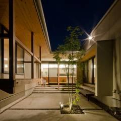 七郷の平屋: FrameWork設計事務所が手掛けた庭です。