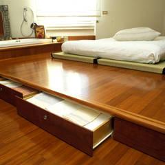 Projekty,  Sypialnia zaprojektowane przez ROBERTA DANISI ARCHITETTO