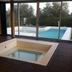 Casa Los Olivos 1: Spa de estilo  por Saleme Sanchez Arquitectos,Moderno Madera Acabado en madera